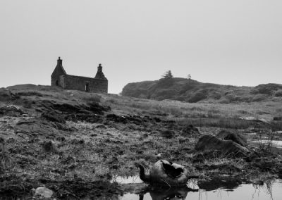 Abandoned House and Kettle, Lochskipport, hebridean landscape photography